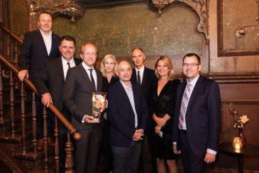Gruppenfoto Verleihung der Auszeichnung Hochschulmanager des Jahres 2021