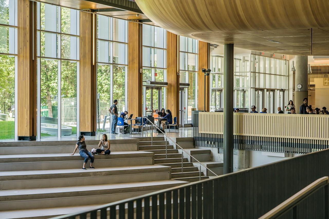 Befragungen zum CHE Ranking 2022/23: Ingenieur-, Sprach- und Kulturwissenschaften dieses Jahr im Fokus